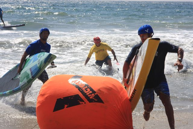 Surf Race to Victory buoy turn